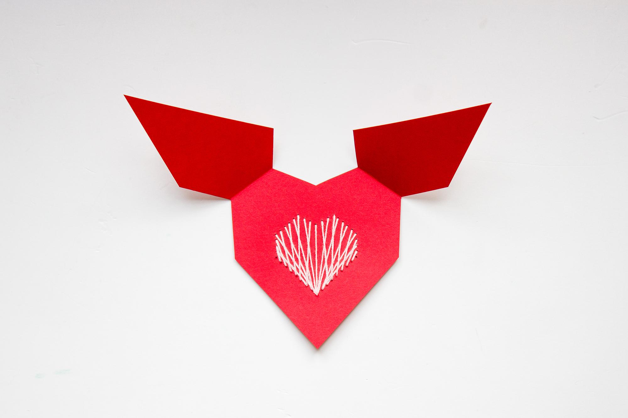 Carte de Saint Valentin brodée forme de coeur
