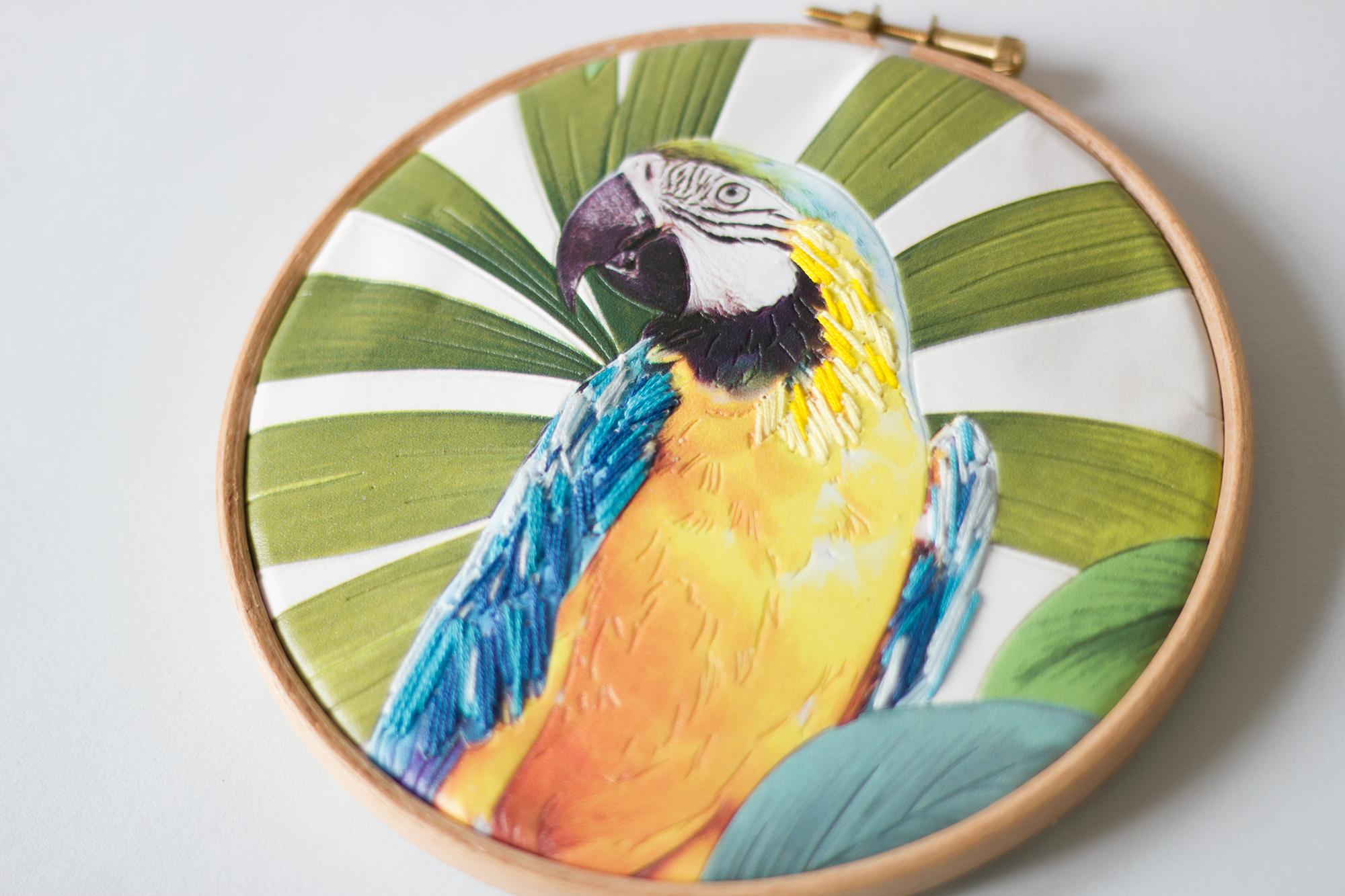 DIY tuto broder du papier peint perroquet