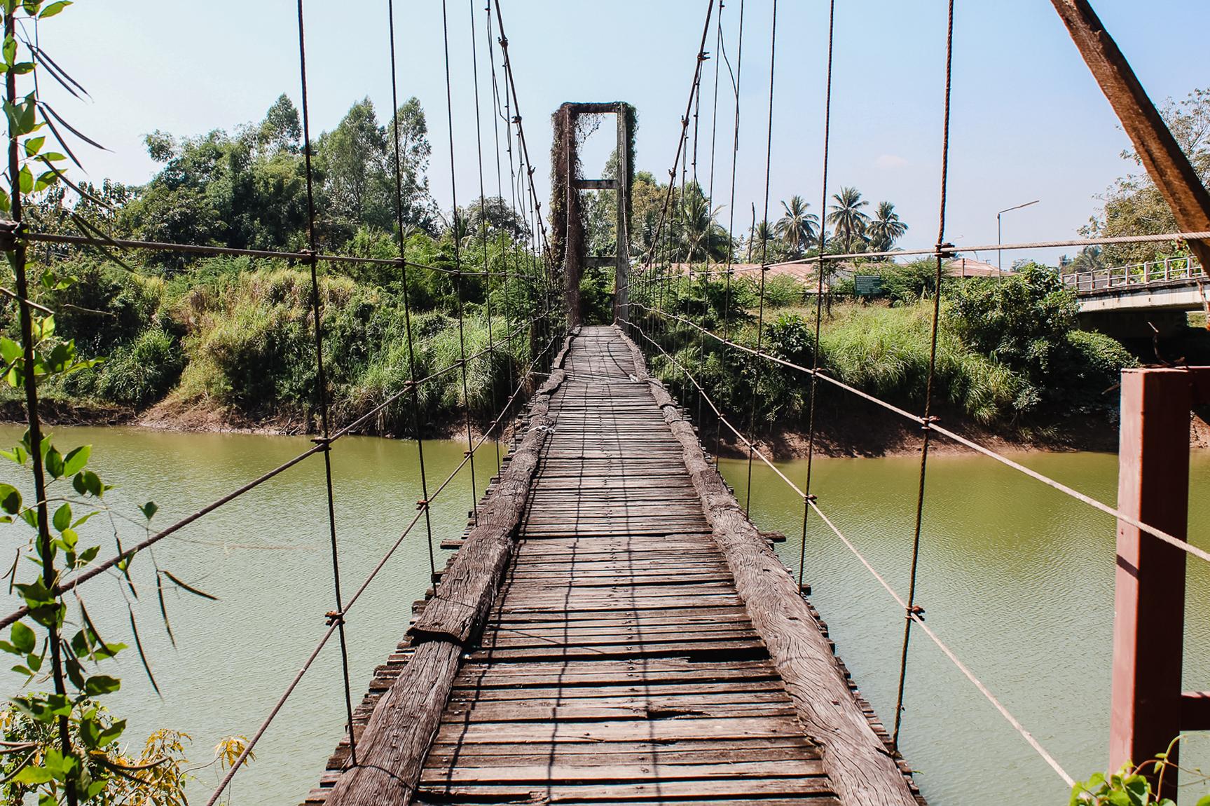 vieux pont de Sukhothai thailande